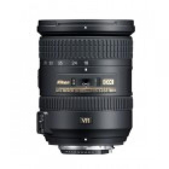 Nikon 18-200mm f/3.5-5.6 Lens