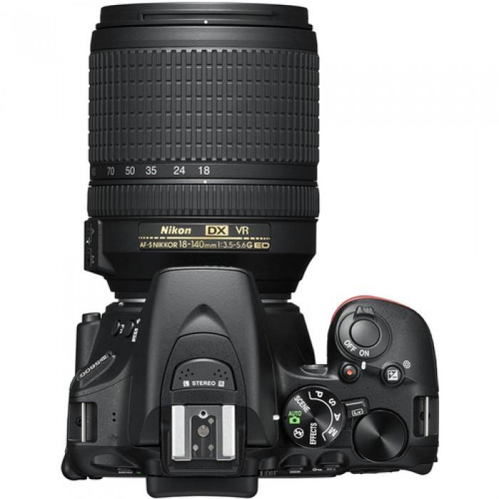 Nikon D5600 Camera with 18-55mm Lens